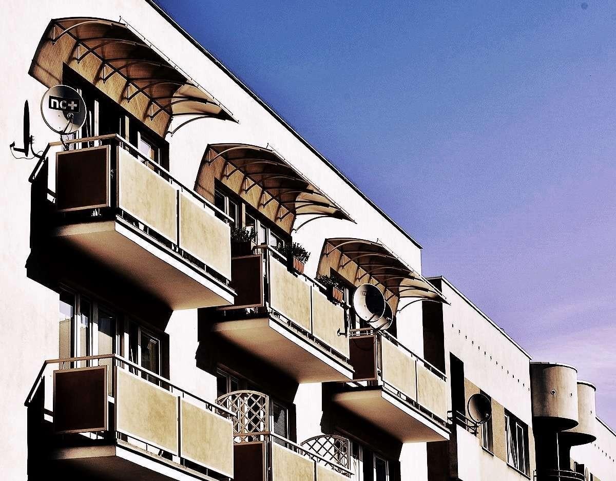 balkony-1200x937.jpg